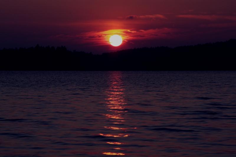 3442217-sunset-in-the-summer-evening.jpg